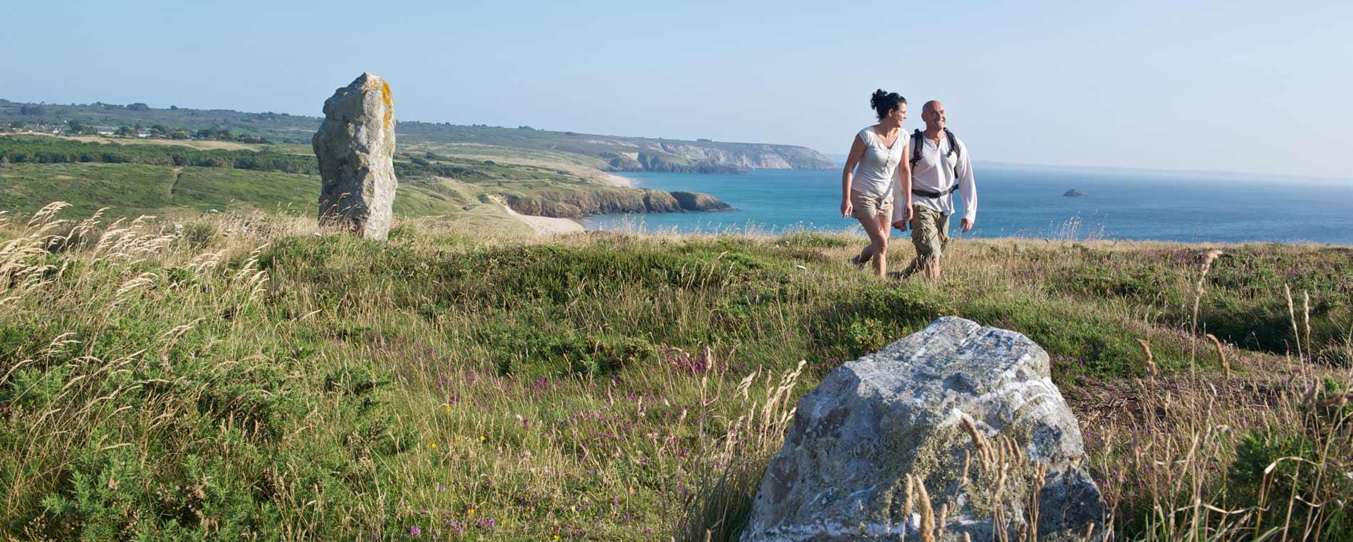 Dolmens et menhirs en presqu'île de Crozon