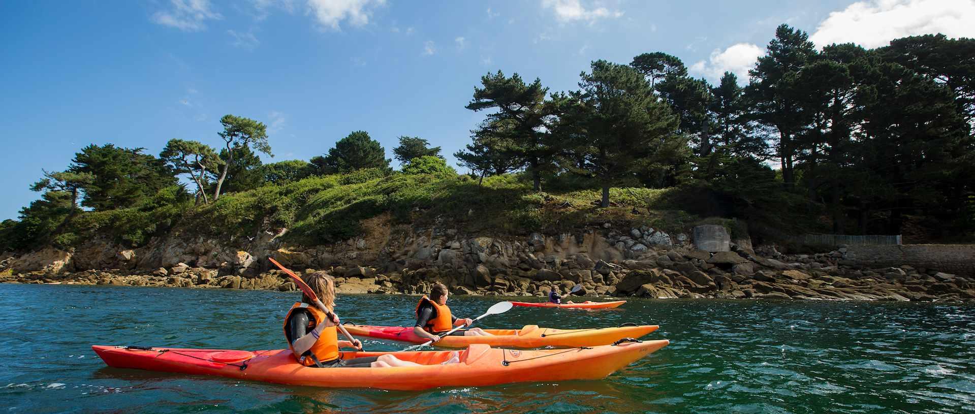 Sortie en famille : kayak de mer à Douarnenez