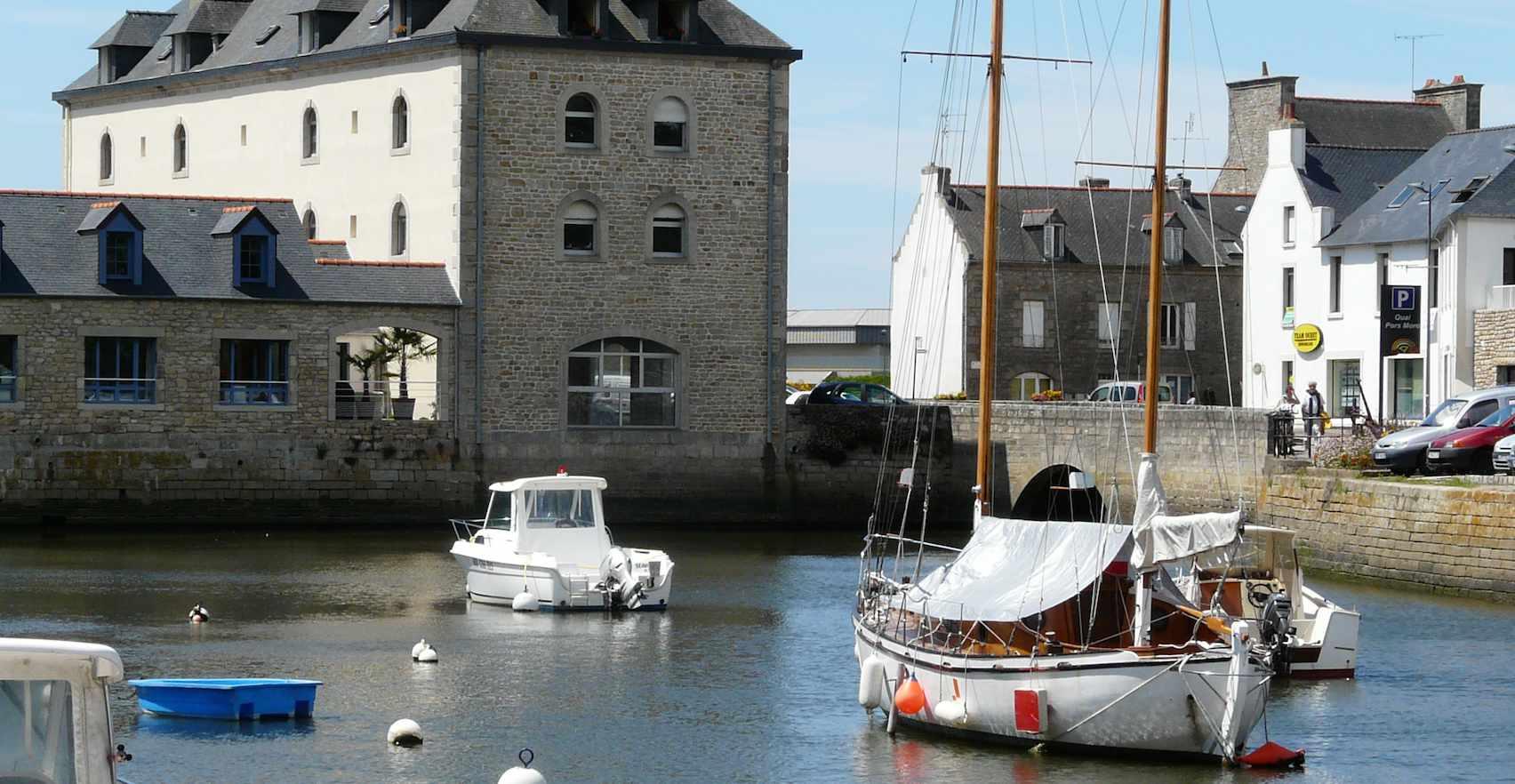 Pont-l'Abbé, ville commerçante