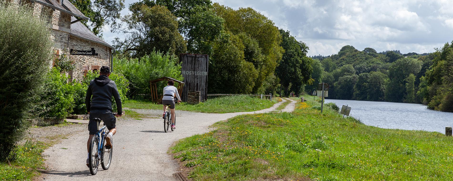À vélo : de Châteauneuf du Faou à Trévarez